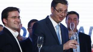 Aleksandar Vucic fête sa victoire aux élections législatives, le 16 mars 2014 dans le QG de son parti à Belgrade.