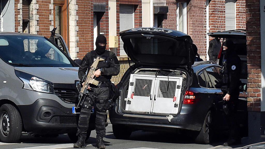 Во Франции задержали пять женщин по подозрению в подготовке теракта