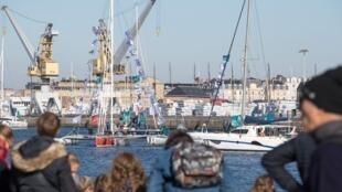Город Сен-Мало в Бретани готовится к старту регаты «Ромовый путь»: 123 яхтсмена попытаются преодолеть Атлантический океан в этом году