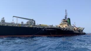 Le pétrolier japonais Kokuka Courageous au large du port de l'émirat du golfe Fujairah le 19 juin 2019.