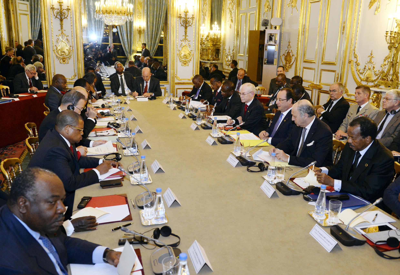Nicolas Tiangaye, Premier ministre centrafricain, Ali Bongo Ondimba, président du Gabon, Herman Van Rompuy, président du Conseil européen, François Hollande, président français, Laurent Fabius, ministre français des Affaires étrangères et le président came