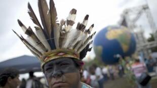 Un Indien participant au Sommet des Peuples du 15 au 23 juin 2012, en marge du sommet de Rio de Janeiro, le 22 juin 2012.