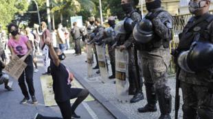 Policiais manifestação
