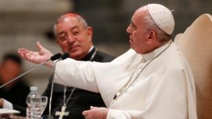 لوموند: پاپ فرانسیس، گزارش ارتکاب هرگونه تعرض جنسی در کلیسا را اجباری کرد