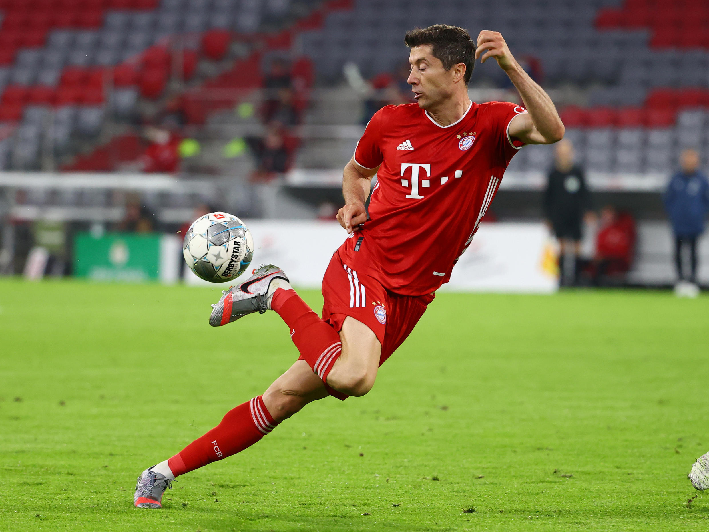 Robert Lewandowski scored his 31st Bundesliga goal of the season to help Bayern Munich to their eighth consecutive German top flight title.