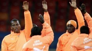 Didier Drogba (à gauche) avec ses partenaires ivoiriens.