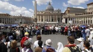Novo movimento quer que Igreja se una ao povo no sacrifício econômico.