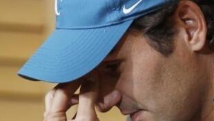 El suizo Roger Federer en rueda de prensa tras su derrota ante el sueco Robin Soderling, 1 de junio de 2010.