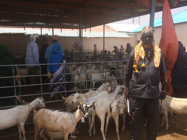 Adan Mohamed Ali au marché d'Inchi à Garowe en Somalie en juillet 2017.