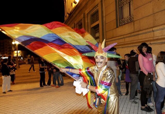 Festejos tras el anuncio de la ratificación de la ley del matrimonio igualitario, en Montevideo.