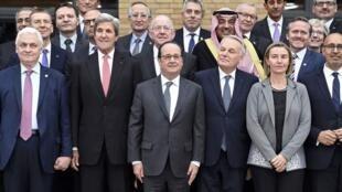 Conferência sobre o Médio-Oriente com o Presidente Hollande em primeiro plano.15.01.2017 Paris
