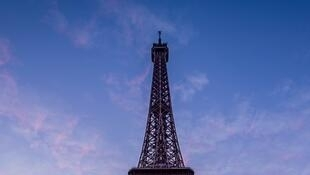 eiffel-tower-3837629_960_720