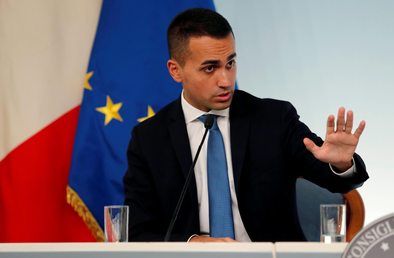 Ảnh minh họa : Phó thủ tướng Ý Luigi Di Maio trong buổi họp báo tại Roma, ngày 20/10/2018