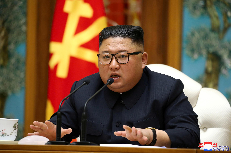 4月11日金正恩出席朝鲜劳动党中央政治局一场会议,此后再无官方影像流出