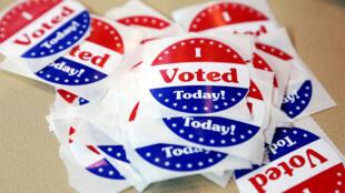 Autocolantes «Votei hoje» para as eleições intercalares, 6 de Novembro de 2018.