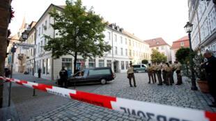 12 pessoas ficaram feridas na noite deste domingo (24) em frente a um restaurante central de Ansbach, na Baviera (sul da Alemanha).