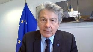 """Thierry Breton, par Skype sur RFI et France 24 le 10 avril 2020: """"Il n'y a qu'un seul mot pour sortir de cette crise, la solidarité."""""""