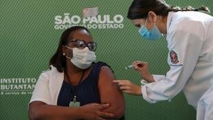 2021-01-17T194927Z_313501688_RC2V9L95NNSQ_RTRMADP_3_HEALTH-CORONAVIRUS-BRAZIL-DORIA