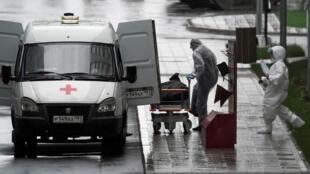 По официальным данным в России за сутки скончались 174 человека с коронавирусом