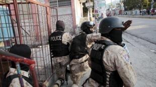 La police haïtienne a arrêté une douzaine de personnes près de la capitale Port-au-Prince.
