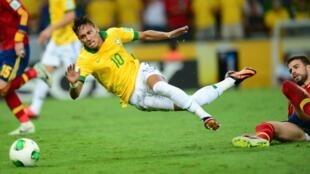 Neymar na final contra a Espanha na Copa das Confederações em 2013.
