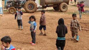 Des enfants de réfugiés syriens dans le camp de Baalbek, le 24 février 2015.
