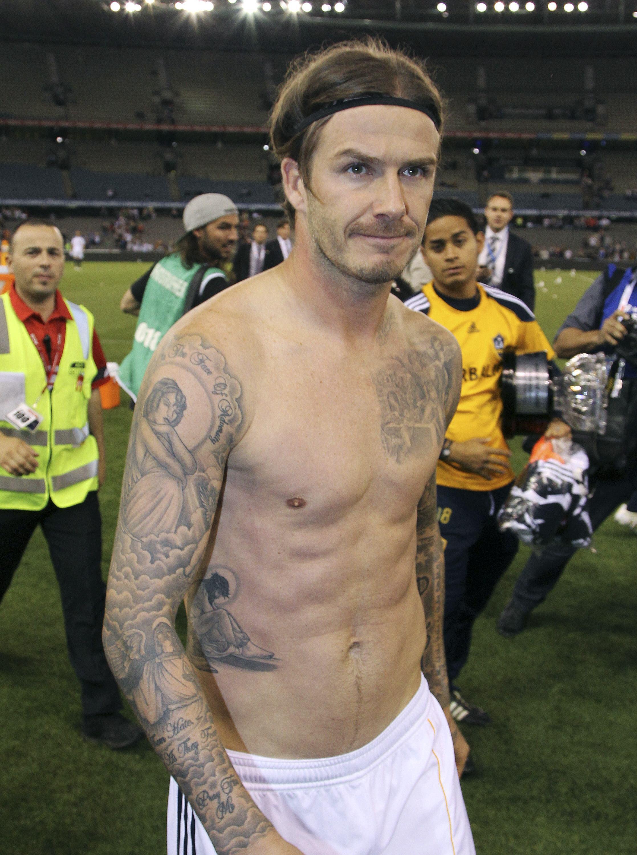 O médio inglês David Beckham acabou por desistir de um lugar no plantel do PSG.
