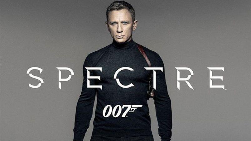Cartaz do novo James Bond com Daniel Craig no papel de 007.
