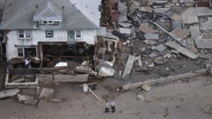 Destrozos en Seagate, Nueva York, imagen del 31 de octubre de 2012.