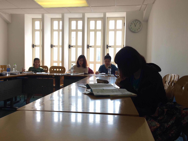 Một lớp học tiếng Pháp cấp tốc tại Viện Pháp, Hà Nội.