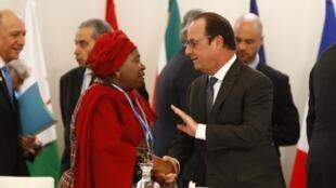 French President François Hollande with African Union Commission president Nkosazana Dlamini-Zuma et François Hollande at Cop21