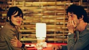 Elodie Navarre et Clément Sibony dans le film « Shanghai blues ».
