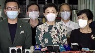 """人大宣布將訂立港版國安法,民主派召開記者會形容""""一國一制正式在香港落實""""。"""
