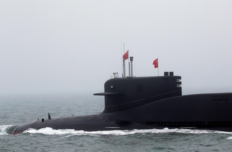 Tàu ngầm nguyên tử Trường Chinh 10 của Trung Quốc tham gia cuộc duyệt binh ngoài khơi Thanh Đảo ngày 23/04/2019.