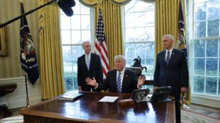 Le président américain Donald Trump s'adressant à la presse à la Maison Blanche, le 24 mars 2017.