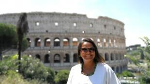 Edna Costa, baiana de Salvador, pós-graduada em História da Arte é uma das guias mais requisitadas pelos brasileiros que visitam Roma.