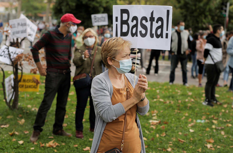2020-09-20T104700Z_377461087_RC2A2J9SN09I_RTRMADP_3_HEALTH-CORONAVIRUS-SPAIN-PROTESTS
