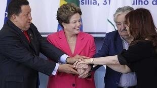 Hugo Chávez, Dilma Rousseff, José Mujica y Cristina Fernández de Kirchner en Brasilia, julio de 2012.