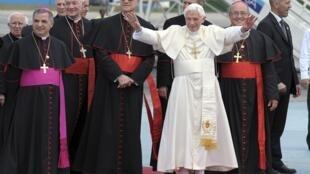 Đức Giáo hoàng Benedicto XVI đến phi trường Jose Marti tại La Habana  ngày 27/03/2012.