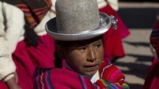 Jeune fille de la région de Tiwanako, à environ 70 km de La Paz, le 15 août 2012.
