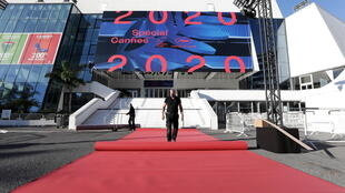 2020-10-27T082607Z_1960953741_RC2WQJ913OEH_RTRMADP_3_FILMFESTIVAL-CANNES