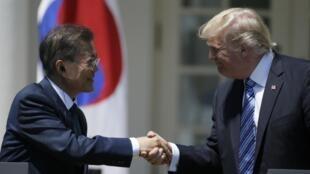 Donald Trump a reçu pendant deux jours à Washington le président sud-coréen, Moon Jae-Min, ici le 30 juin 2017.