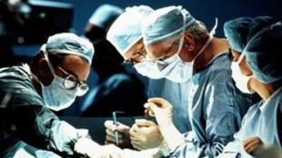 La cirugía 'fast track' es un enfoque multidisciplinario que busca desmedicalizar el acto quirúrgico.
