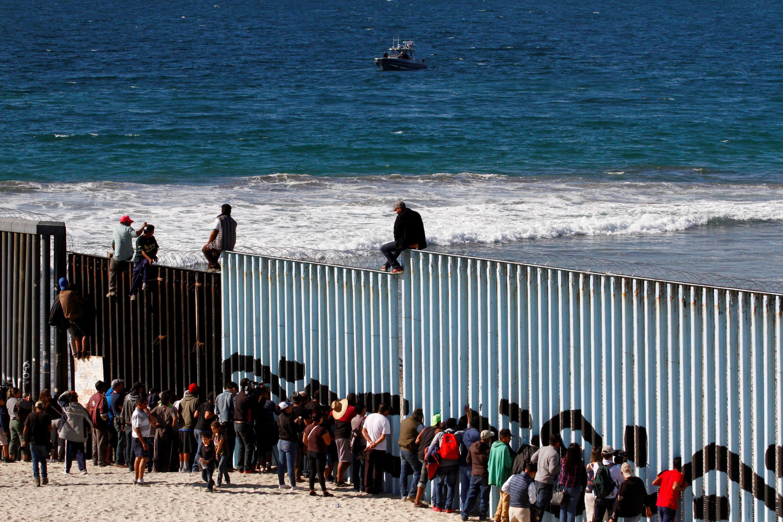 Migrantes em Tijuana, na fronteira do México com os Estados Unidos.