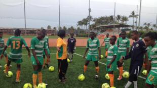 Entraînement de l'équipe nationale féminine de football féminin « Les Eléphantes », en Côte d'Ivoire.