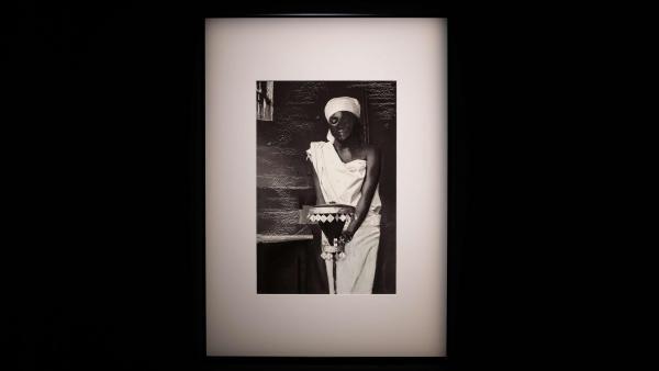 Ati okuku de imolé (De l'invisible au visible), photographie de l'artiste béninoise Eliane Aisso, présentée au « Panorama 21 » du Fresnoy.