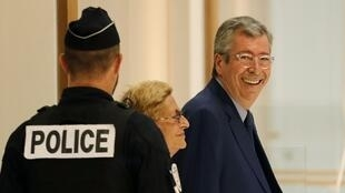 Le couple Balkany est soupçonné d'avoir caché 13 millions d'euros d'avoirs au fisc entre 2007 et 2014, notamment deux somptueuses villas, Pamplemousse aux Antilles et Dar Guycy à Marrakech.