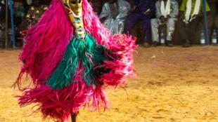 Le Nya, le Klè, le Tobignè, le Nankô, le Sirabani, le Mouskori...pendant plusieurs jours, le public a pu découvrir de superbes masques et divinités.
