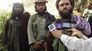 Extremistas da rebelião talibã consideram que mistura de sexo é inaceitável.