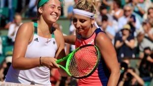 La letona Jelena Ostapenko, 20 años hoy, ganó su boleto para la final de Roland Garros al vencer a la suiza Timea Bacsinszky, 28 años (7-6[4], 3-6, 6-3).